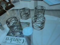 SET OF 4 ATTRACTIVE SILVER COLOUR METAL NAPKIN RINGS. Christmas