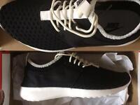 Nike Juvenate Trainers UK 7