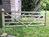 Farm Sytle Entrance/Field Gate - Diamond Braced 10 foot gate with furniture