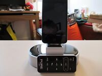 IPOD TOUCH 8GB with Pure Digital docking station