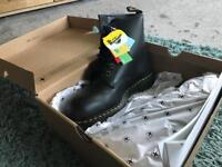 Doc Marten safety boots - UK 9