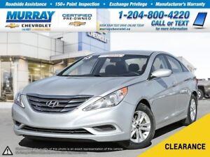 2013 Hyundai Sonata *Bluetooth, Heated Seats, Traction Control*