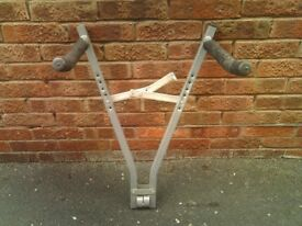 Towbar mounted bicycle rack