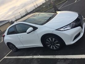 "2014 Honda Civic 1.8 iVTEC SR Heated Leather interior, 17"" factory alloys, panoramic roof."