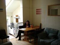 Spacious Room in Cathays House Share of 5 Young Professionals
