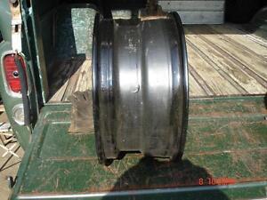 "Chevrolet  15""x7"" steel wheels London Ontario image 2"