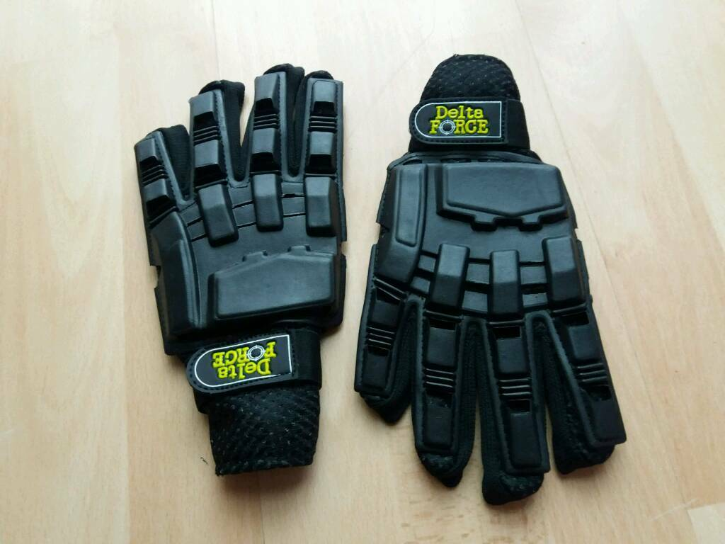 Delta Force Gloves Almost New For Paintball In Earley