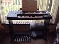 Organ Yamaha electone me10