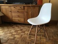 Set of 4 Brand new Eammes style chairs