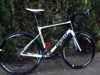 Giant Defy Advanced 2 Full Carbon Road Bike