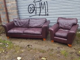 Lovely leather sofa suite. 3+1, a bit of wear. can deliver