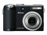 Nikon Coolpix P5000 10MP Digital Camera with 3.5x Optical Vibration Reduction Zoom