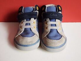 Childrens Shoes Size 6