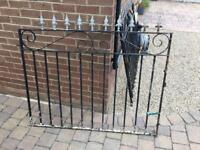 Metal Gates 1340x1020mm