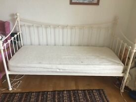 Laura Ashley Day Bed (sofa)