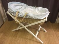 MAMAS & PAPAS MOSES BASKET WITH FOLDING STAND