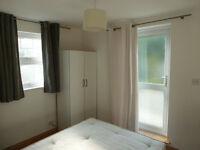 A MODERN DOUBLE BEDROOM WITH NEW BATHROOM AND LARGE KITCHEN DINER CLOSE TO TUBE & MUSWELL HILL