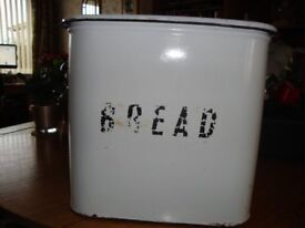 LARGE TRADITIONAL VINTAGE SHABY CHIC ENAMEL BREAD BIN