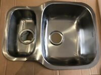 Brand New Reginox Nebraska 1.5 Bowl Stainless Steel Undermount Kitchen Sink & Waste