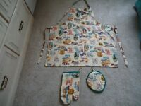 Apron, oven glove and oven pad set - Depicts Route 66