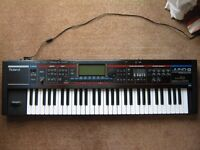 Roland Juno G 128 Voice Expandable Synthesizer with Audio and MIDI song recorder