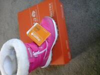 pink regatta snow boots size 2