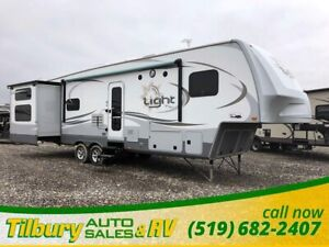 2014 Highland Ridge RV Open Range Light 315BHS. 2 FULL bathrooms