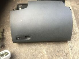 2010 MERCEDES GLOVEBOX GOOD CONDITION