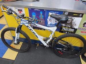 Vélo Blanc de montagne de marque CCM