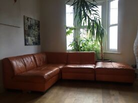 £180 Great Deal - Gorgeous & moveable configuration Leather Corner sofa - really comfy