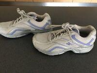 Ladies Reebok Trainers Size 5 purple and grey