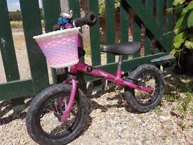 Stompee Girls balance bike