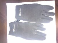Berghaus gloves for sale - Size S