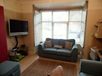 SB Lets are Delighted to Offer a Lovely 2 Bedroom Holiday Let with a Garden off New Church Road