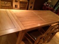 Oak Extending Dining Table & 8 Chairs