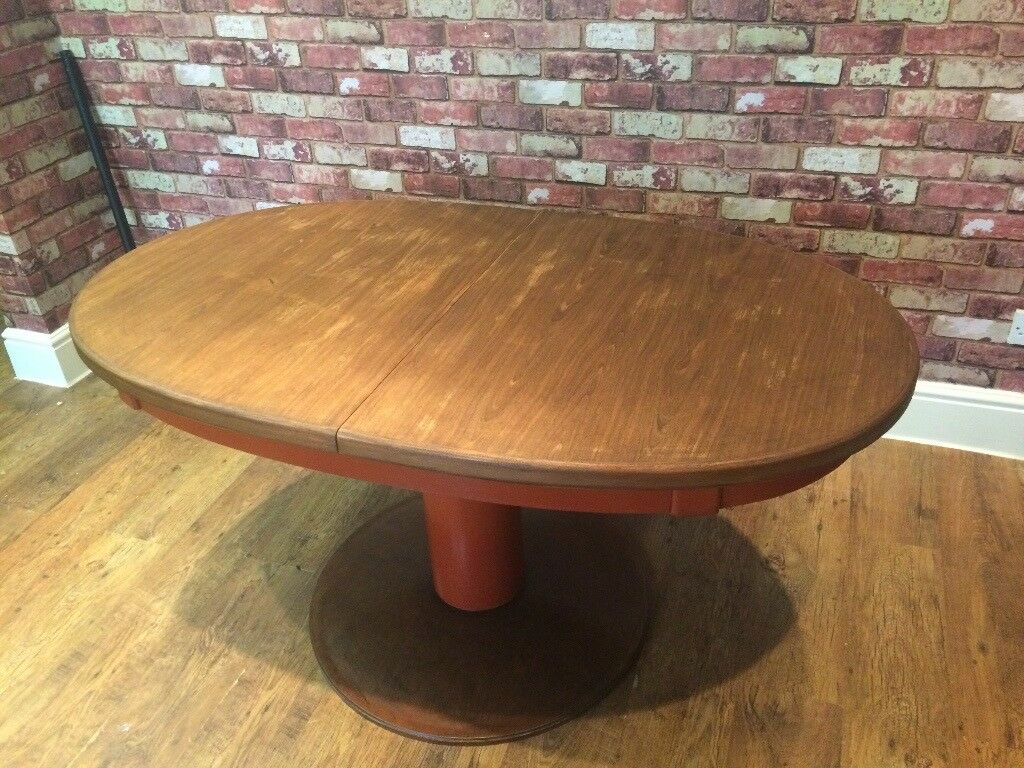 OVAL DINING TABLE - TOP COMES OFF FOR TRANSPORTING - PEDESTAL BASE - CAN DELIVER