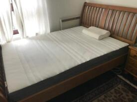 New condition king size memory foam mattress and memory foam pillow for sale