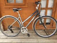 "Adults unisex Giant Cypress Hybrid bike. 19"" frame. Fully working"
