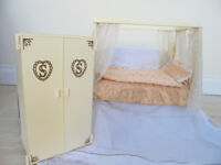 Doll's House Four Poster Bed and Wardrobe - Sindy vintage