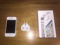 URGENT sale! White - iPhone 4S (32GB) - EXCELLENT CONDITION - QUICK sale needed (unlocked)