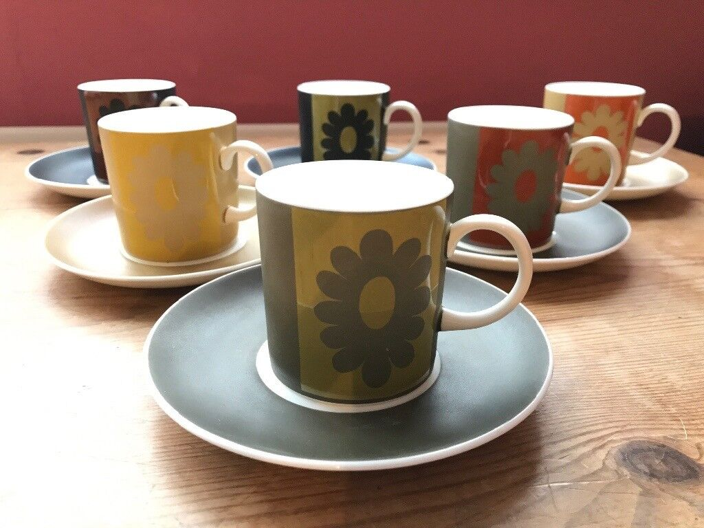 Susie Cooper Wedgewood cups and saucers - Carnaby Daisy design