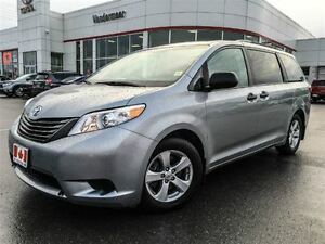 2015 Toyota Sienna REMOTE START+BACK UP CAM!