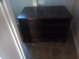 Mahogany TV stand, length 3 feet x width 22 inches xheight 2 feet. Excellent condition.