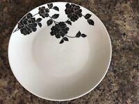 Dinnerware plates/bowls