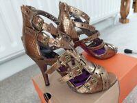 Gladiator Heels Size 6 Gold/Bronze