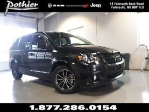 2017 Dodge Grand Caravan CVP/SXT 29P | FULL STOW N GO | UCONNECT