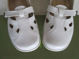 Excellent Hotter Nirvana Cream Leather Comfort Flat Sandal Shoes 5.5 EXF & 7 EXF