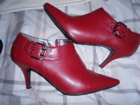 Red Dorothy Perkins shoe boot with buckle size 7