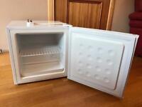LEC counter top freezer