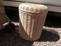 SMALL LINEN BASKET BIN WITH HINGED LID